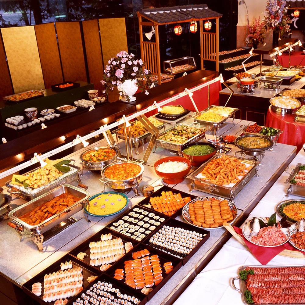 【電子票券】台北花園酒店1F六國餐廳自助式吃到飽午餐或晚餐券(假日使用+200)