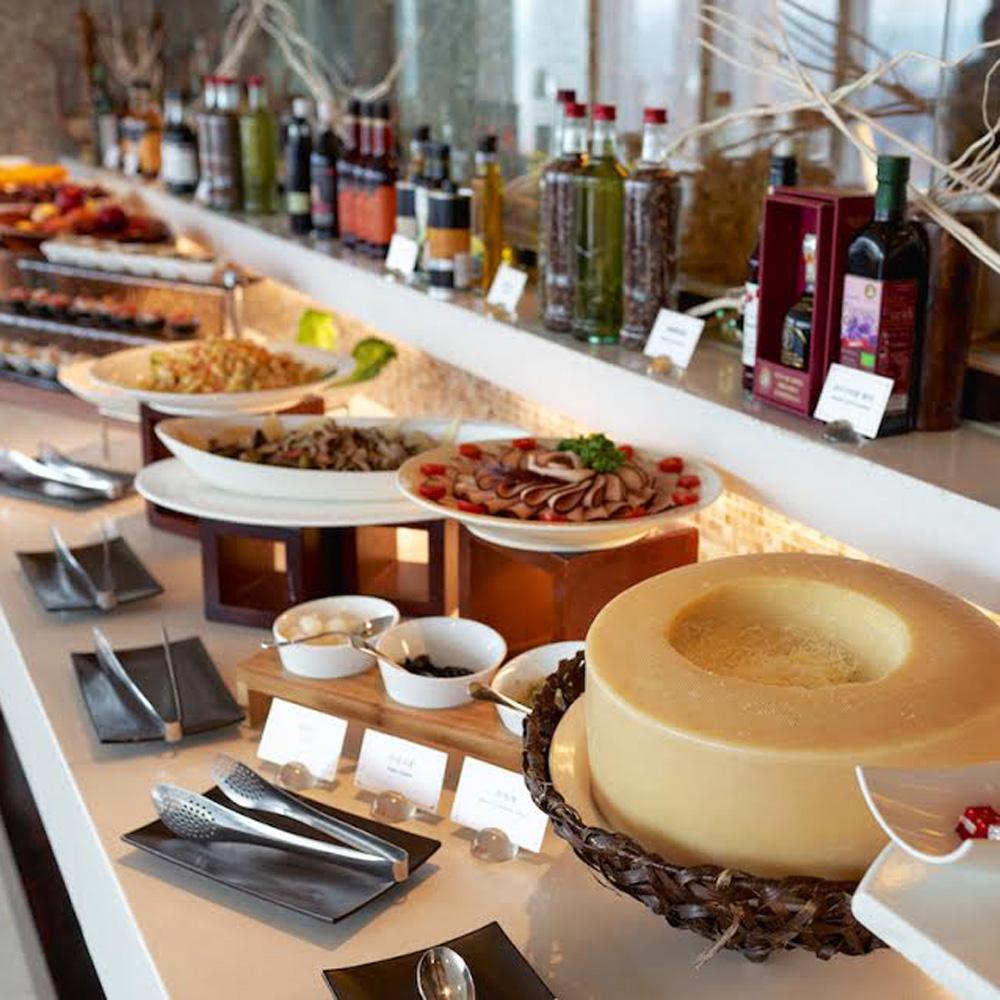 【電子票券】台中亞緻大飯店28F異料理平日週一到週五自助式沙拉吧吃到飽午餐券