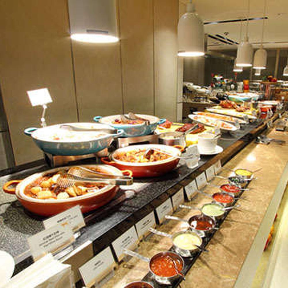 【電子票券】台北老爺酒店LeCafe餐廳自助吃到飽午餐或晚餐券平均每人875(假日不加價)