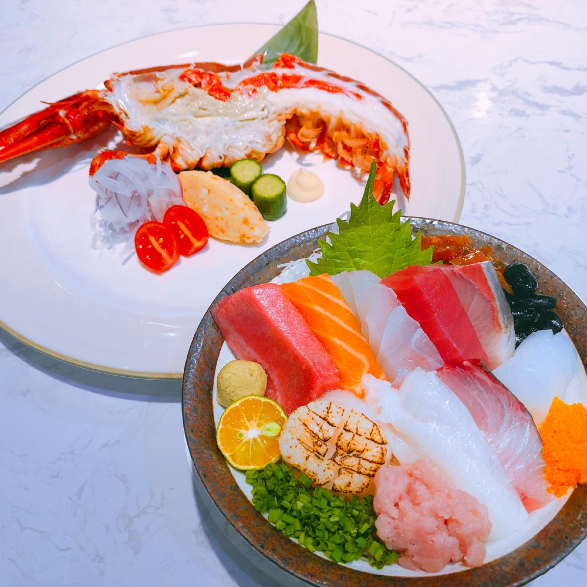 【電子票券】台北土狗樂市特上海鮮丼飯+半隻波士頓龍蝦套餐券(假日不加價)