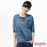 SOMETHING 蝴蝶袖花卉T恤-女-漂淺藍