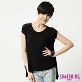 SOMETHING 圓領繡花短袖T恤-女-黑色