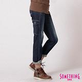 SOMETHING 貼袋伸縮中直筒牛仔褲-女-酵洗藍