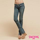 SOMETHING V.C.拉鍊中低腰直筒牛仔褲-女-漂淺藍