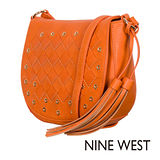 Nine West--流蘇綴飾編織馬鞍包--獨特紫