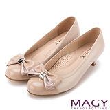 MAGY 甜美舒適款 雙材質拼接蝴蝶結羊皮低跟鞋-粉紅