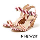 NINE WEST--彩色條紋楔型涼鞋--活潑橘