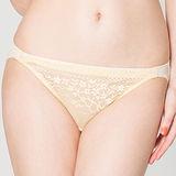 【思薇爾】花漾舞蝶系列M-XL蕾絲低腰三角內褲(金玉黃)