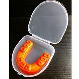 (周年感恩大回饋限量100組) 熱銷歐美單層雙色護牙套 橘色(1牙套+1收納盒)