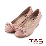 TAS 太妃Q系列 柔軟乳膠鏡面拼接鉚釘蝴蝶結楔型鞋-柔嫩粉