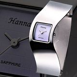 Hanna 一體成型時尚手環錶(淺紫)
