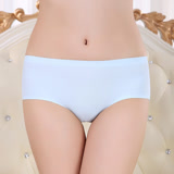 【PS Mall】冰涼材質無痕一片式女式內褲 (J1406)