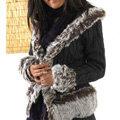 【艾莉絲中大尺碼生活館】下架-柔美氛圍暖和感‧織麻花仿貂毛滾邊牛角扣外套~黑
