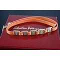 【~SALVATORE FERRAGAMO~】歐洲原裝 SALVATORE FERRAGAMO 橘紅色 真皮製金屬LOGO相間 女用項鍊