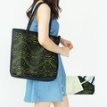 Yes Do !!【ewh2759】 漂亮螢光內襯鏤空肩背包。 2色預購(附W紙標+W防塵袋)