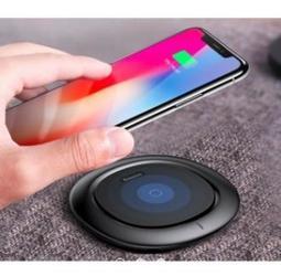 >新到貨<CHI 3C Baseus 倍思 飛碟無線充電板/快充板 無線充電座 iPhone X iPhone 8