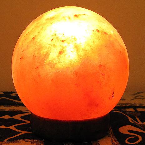 【采岩】喜馬拉雅圓滿如意水晶球造型鹽晶燈-6吋