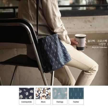 韓國官網同款 紅鶴 碎花 韓版 清新 印花款斜背包 側背包 肩背包 隨身包 萬用包【RB435】