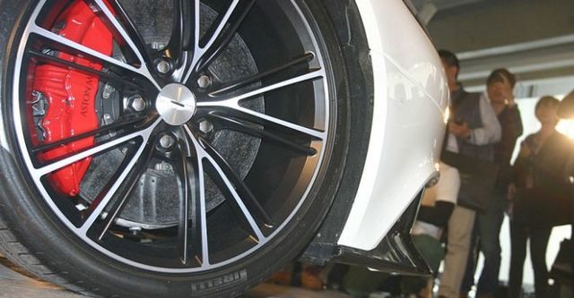 2015 Aston Martin Vanquish 6.0 V12  第2張相片