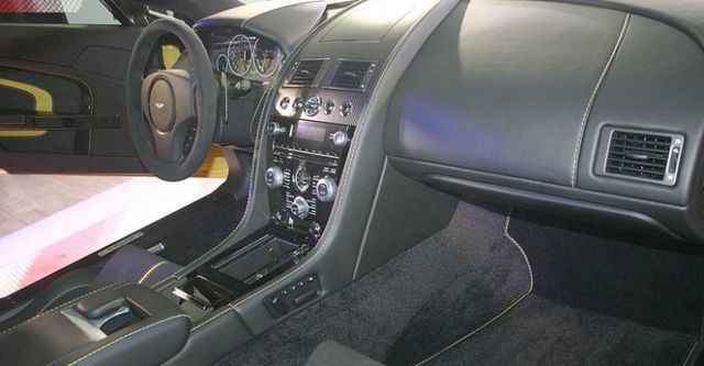 2015 Aston Martin Vantage V12 S  第7張相片