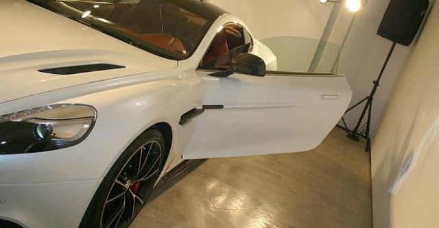 2014 Aston Martin Vanquish 6.0 V12  第5張相片