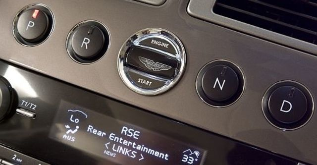 2013 Aston Martin Rapide 6.0 V12  第14張相片