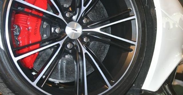 2013 Aston Martin Vanquish 6.0 V12 Coupe  第3張相片