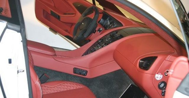 2013 Aston Martin Vanquish 6.0 V12 Coupe  第7張相片