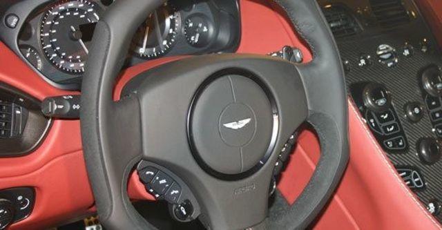 2013 Aston Martin Vanquish 6.0 V12 Coupe  第9張相片