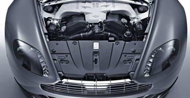 2012 Aston Martin Vantage V12 Coupe  第6張相片
