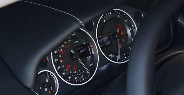 2011 Aston Martin DBS 6.0 V12 Coupe  第9張相片