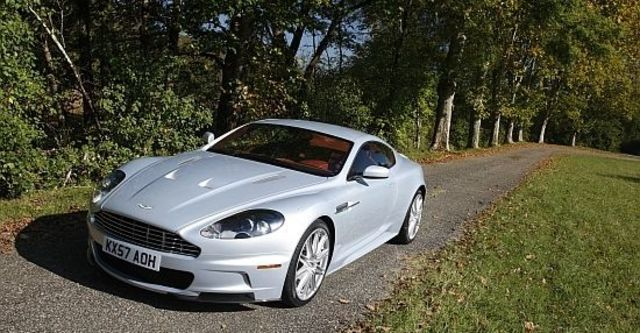 2011 Aston Martin DBS 6.0 V12 Coupe  第10張相片