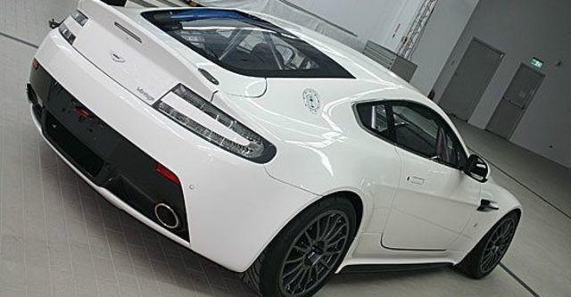 2011 Aston Martin Vantage GT4  第3張相片