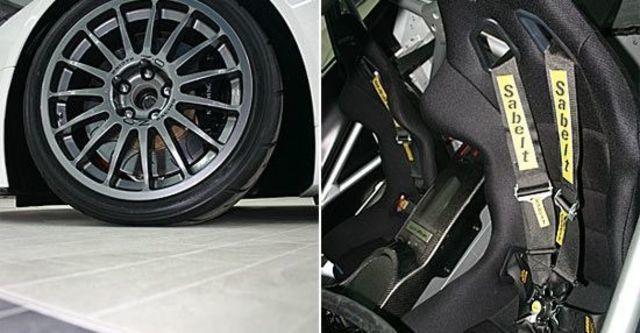 2011 Aston Martin Vantage GT4  第7張相片