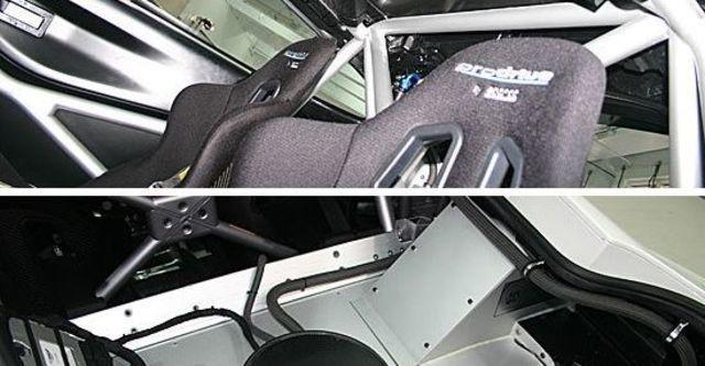 2011 Aston Martin Vantage GT4  第9張相片