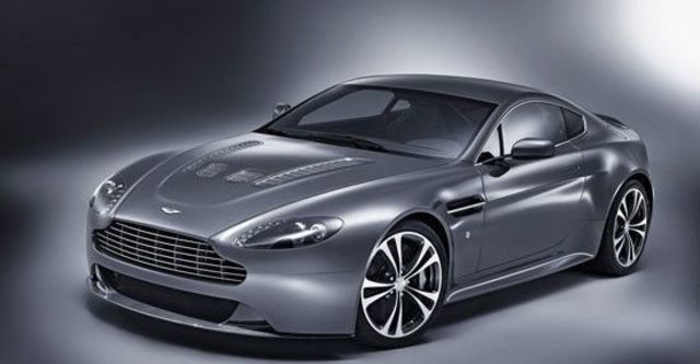 2011 Aston Martin Vantage V12 Coupe  第2張相片