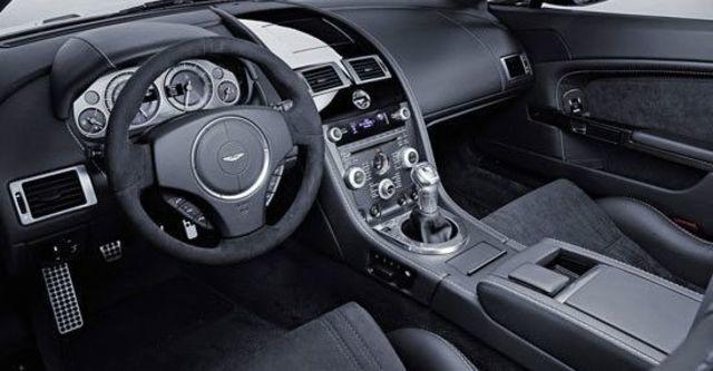 2011 Aston Martin Vantage V12 Coupe  第7張相片