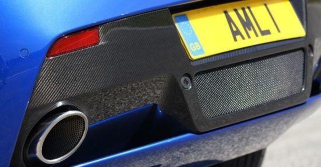 2011 Aston Martin Vantage V8 S  第4張相片