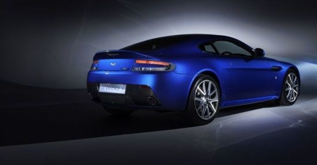 2011 Aston Martin Vantage V8 S  第9張相片