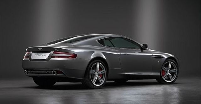 2010 Aston Martin DB9 Coupe  第4張相片