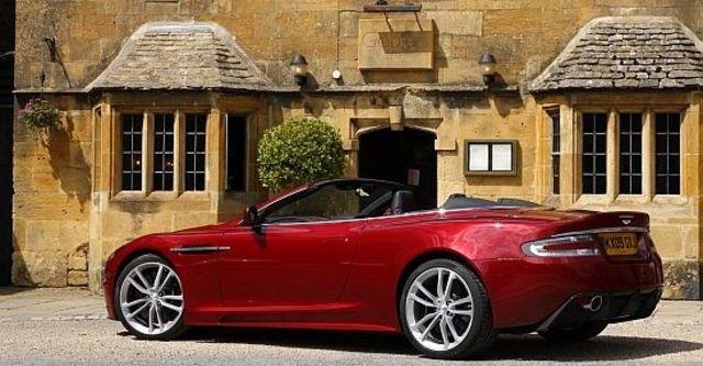 2010 Aston Martin DBS Volante  第10張相片