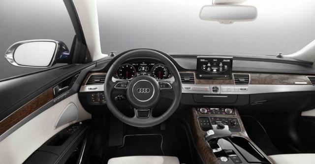 2015 Audi A8 L W12  第5張相片