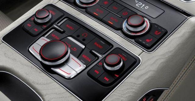 2015 Audi A8 L W12  第10張相片