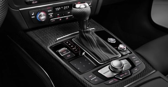 2014 Audi A6 Avant RS6  第10張相片