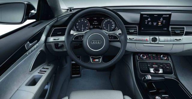 2014 Audi A8 S8  第9張相片