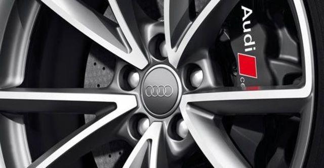 2013 Audi A4 Avant RS4  第7張相片