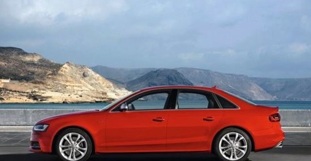 2013 Audi A4 Sedan S4  第5張相片