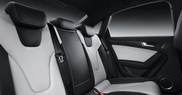 2013 Audi A4 Sedan S4  第6張相片