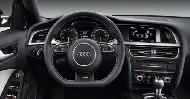 2013 Audi A4 Sedan S4  第10張相片