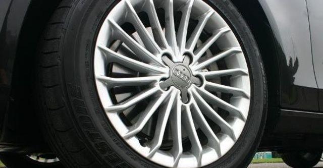 2012 Audi A4 Sedan 2.0 TFSI  第9張相片